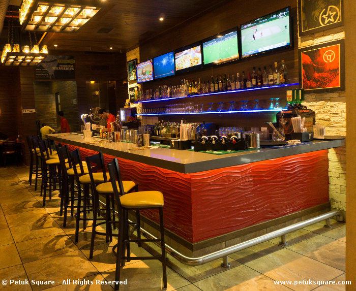 Chili's Quest Mall Bar