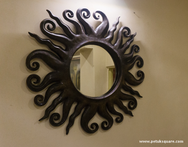 Designer mirror at Dosa @ Twist