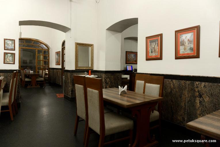 The dining halls - Govinda's