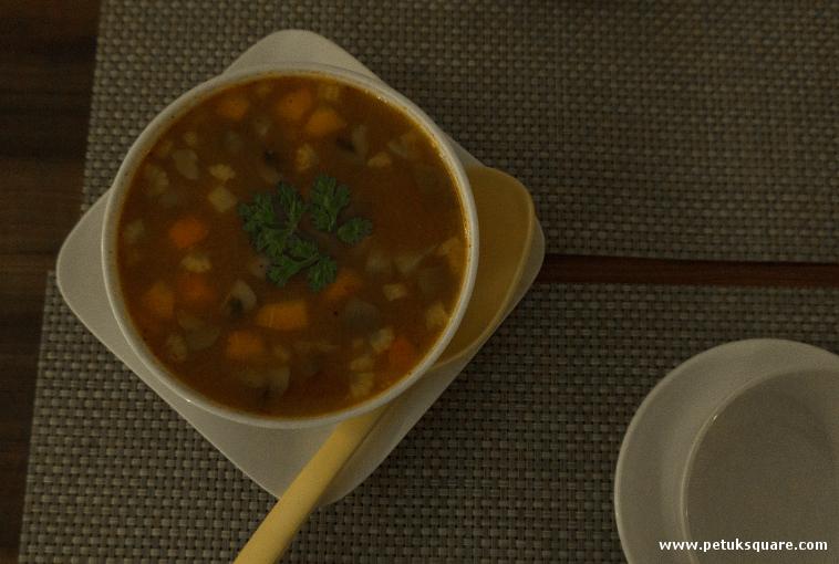 Gaeng Som Pla or a Thai sour fish soup